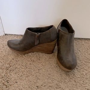 Dr Scholls brown wedge booties